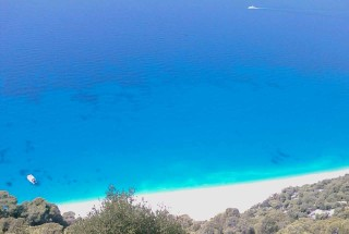 lefkada-Egremnoi-beach